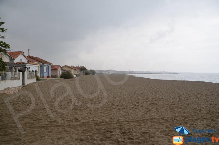 Maisons du Racou et la plage