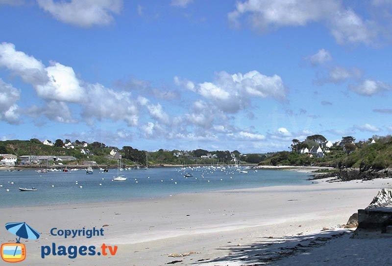 Aber Benoit vue depuis une plage de Saint Pabu