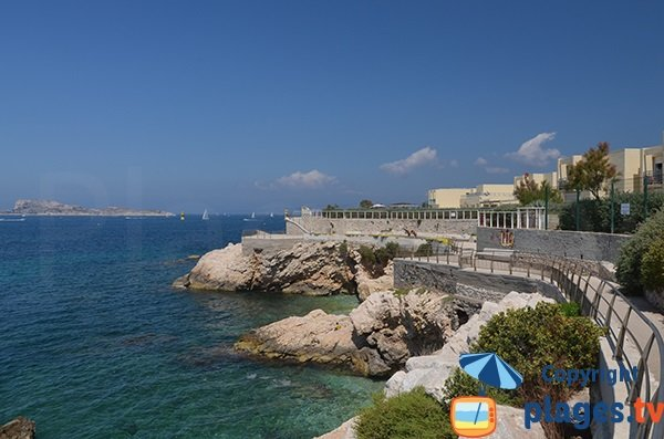 Promenade sur la presqu'ile de Malmousque à Marseille