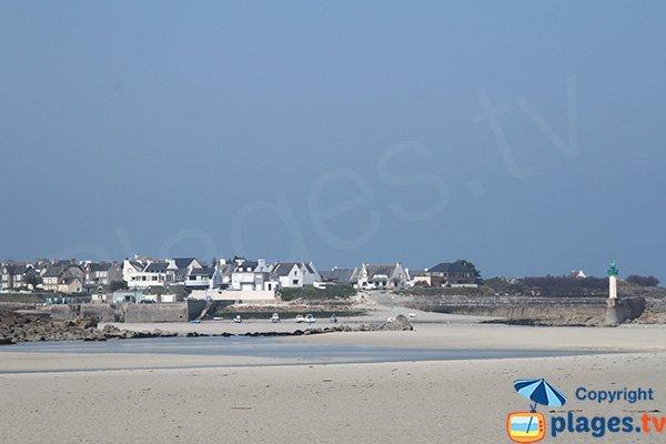 Port de Mogueriec depuis l'anse Guillec - Plougoulm