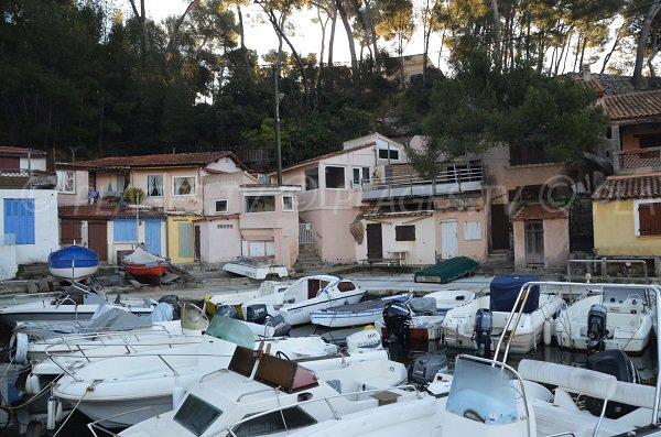 Petit port de pêcheurs de Méjean à Toulon