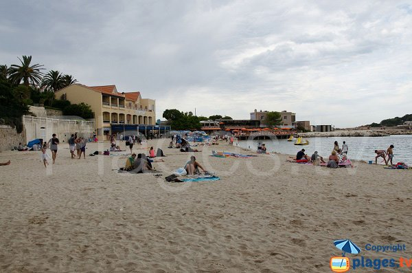 Hotel on the Bandol beach - France