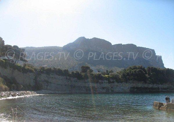 Cap Canaille depuis la plage de Corton de Cassis