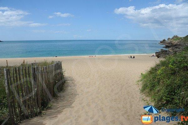 Sentier d'accès à la plage de la Touesse