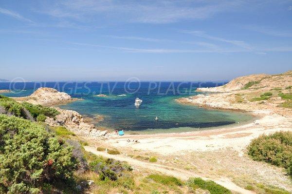 Cala di Vana - caletta di sabbia vicino alla spiaggia di Ostriconi (Corsica)