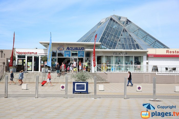 Aqualud center on the main square of Le Touquet