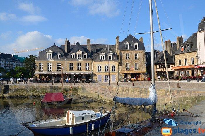 Centre ville d'Auray côté port