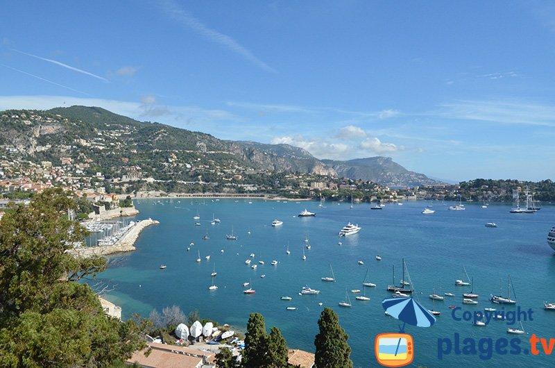 Baie de Villefranche sur Mer en arrivant de Nice