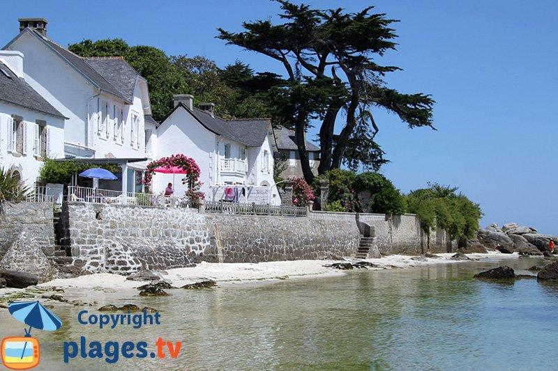 Belles maisons sur le bord de mer de Brignogan