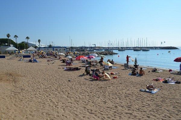 Bijou plage à Cannes: handiplage