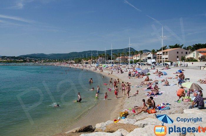 Grande plage of Bonnegrace in Six Fours les Plages