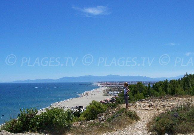 Bord de mer de Leucate vue depuis la falaise