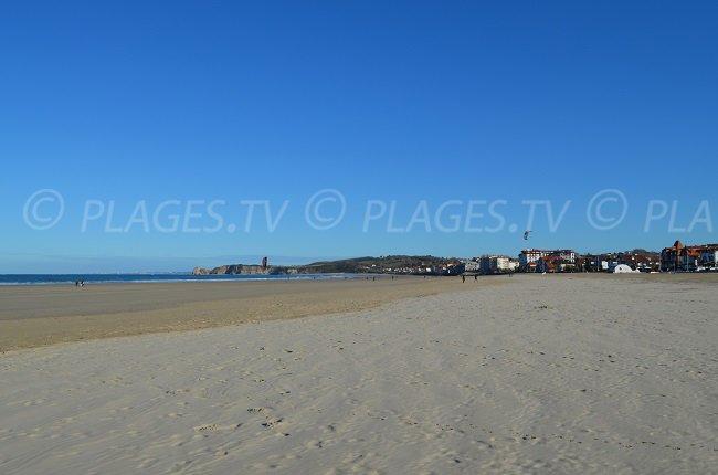 La plage d'Hendaye: idéal pour le footing ou pour les jeux de plage