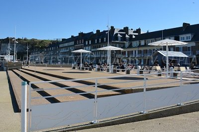 Saint valery en caux plage vacances arts guides voyages for Piscine st valery en caux