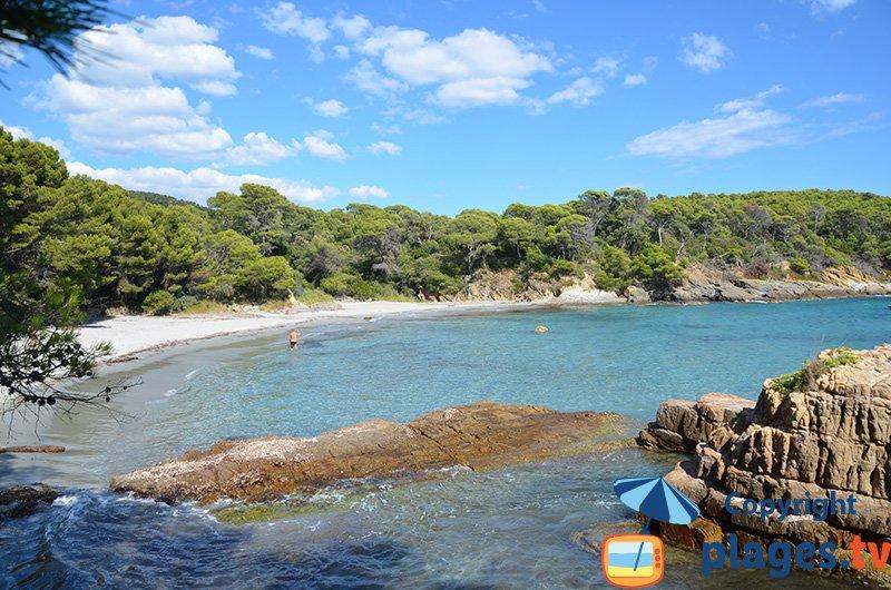 Reine Jeanne : une des plages les plus paradisiaques de la côte d'azur