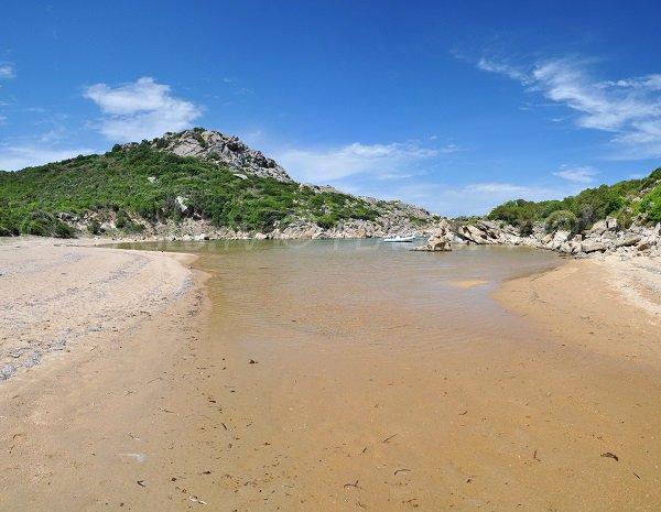Photo de la plage d'Agulia dans le sud de la Corse