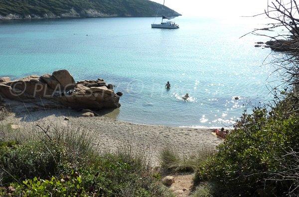 Crique au nord de la plage de Paraguano - Bonifacio