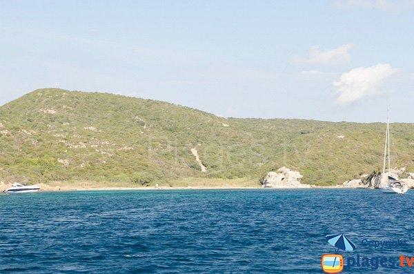 Vue depuis la mer de la plage de Paraguano - Bonifacio