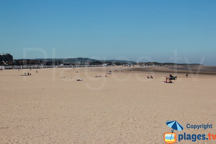 Calais beach overlooking the Cap Blanc Nez