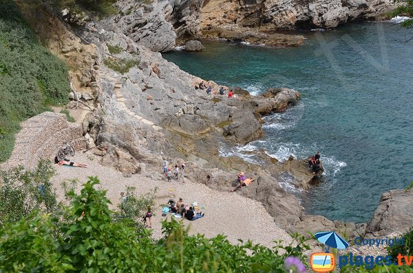 Beach in Cap Brun calanque - Toulon