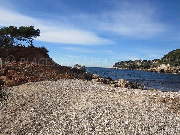 Gravel beach in the Capelan Calanque