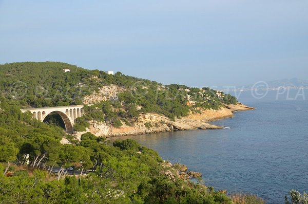 Calanque Eaux Salées with the viaduct of the Blue Coast