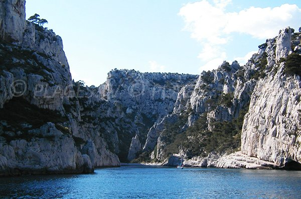 Cliffs of the Calanque En Vau from the sea