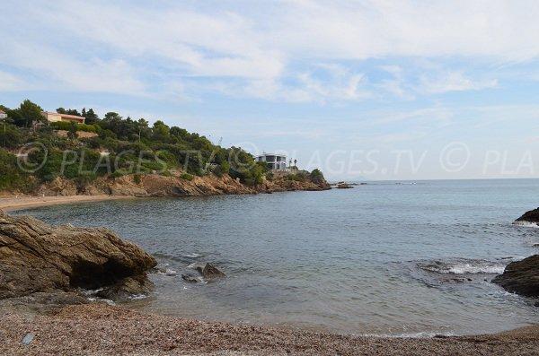Vue sur la plage de la calanque du Grand Boucharel de St Aygulf