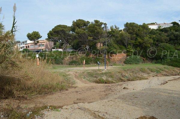 Un terrain de jeux à côté de la calanque du Grand Boucharel