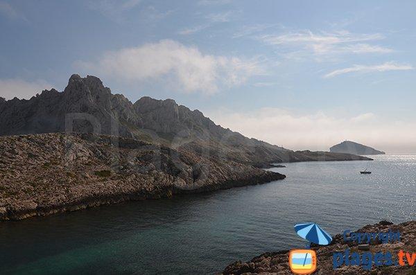 Vue sur le large depuis la calanque de la Maronaise - Marseille
