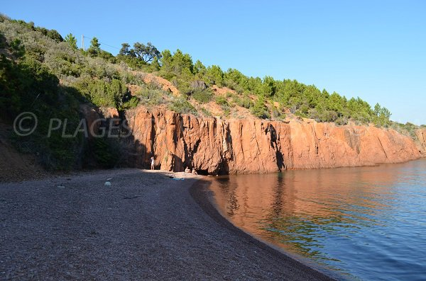 photo of the beach in the Calanque of Maubois - Agay