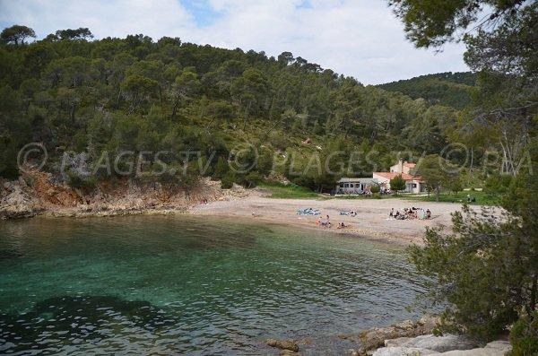 Photo of Port d'Alon beach in St Cyr sur Mer