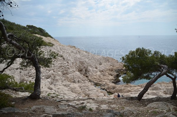 Rocks in the calanque of Port d'Alon