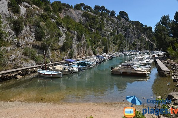 Photo de la calanque de Port Miou à Cassis