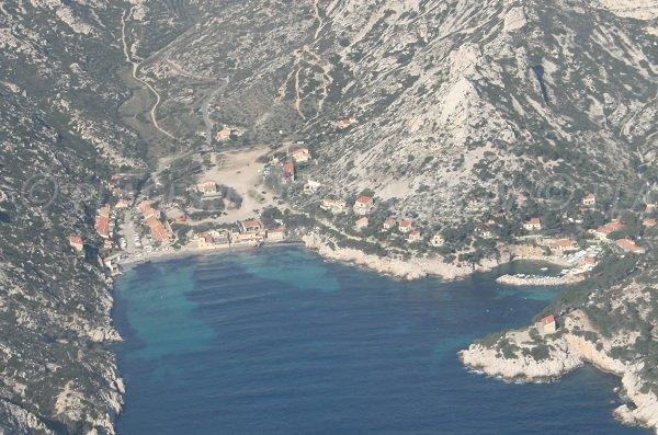 Vue aérienne de la calanque de Sormiou