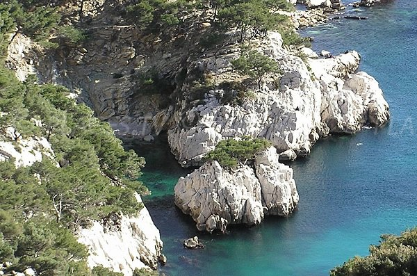 Stone beach in the calanque of Sugiton in Marseille