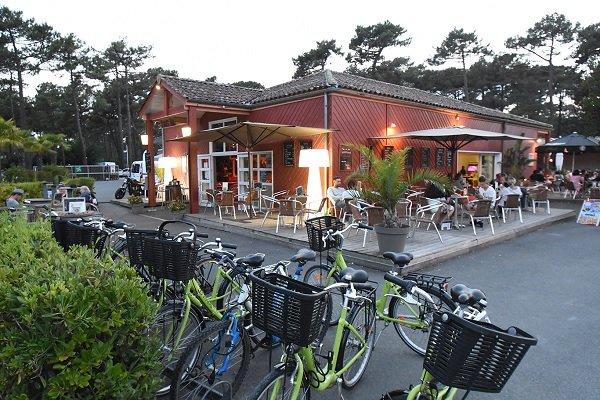 Restaurant dans le camping Les Viviers - Cap Ferret