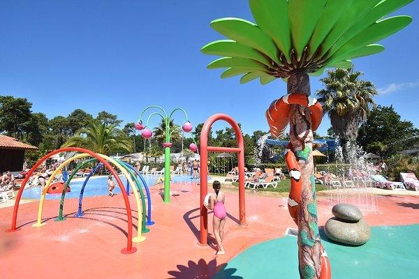 Jeux aquatiques du camping les Viviers au Cap Ferret