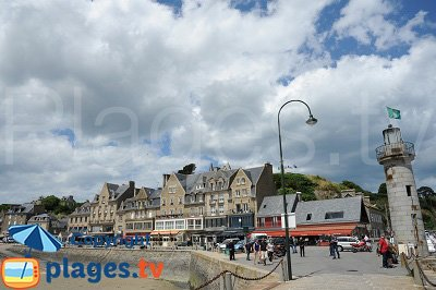 Front de mer de Cancale en Bretagne