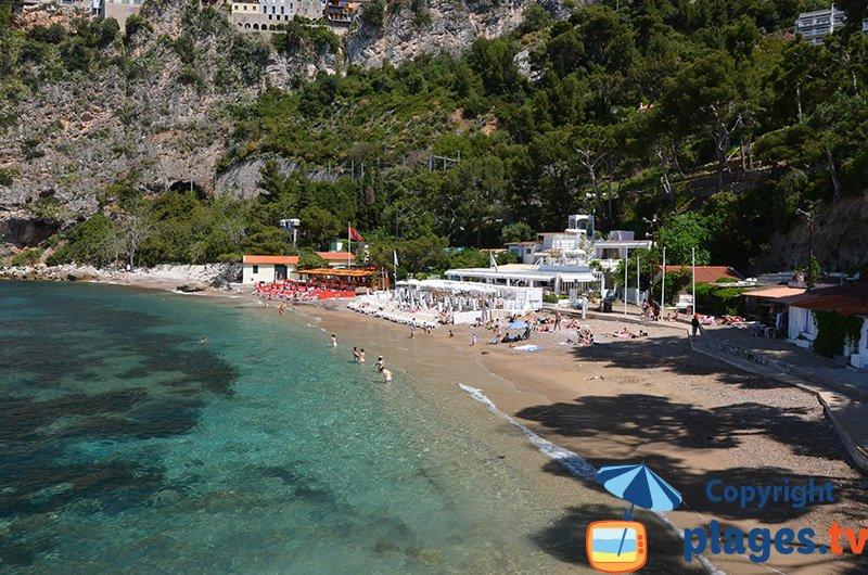 Plage de Mala sur la côte d'Azur à proximité de Monaco