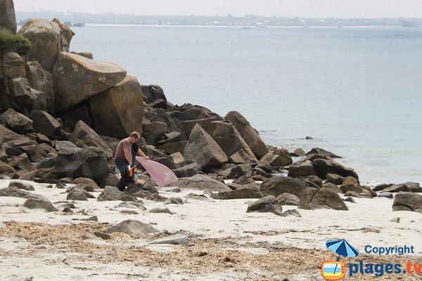 Rochers autour de la plage du camping de l'ile de Batz
