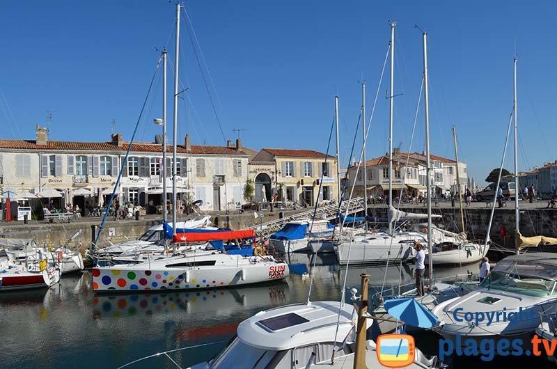 Le port et le centre de Saint Martin de Ré