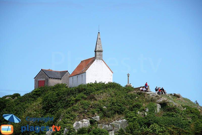 Chapelle Saint Michel sur l'ile de Bréhat en Bretagne