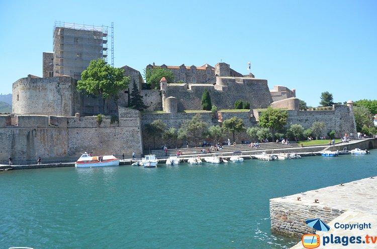 Collioure l incontournable de la c te vermeille avec de belles plages - Chateau de collioure ...