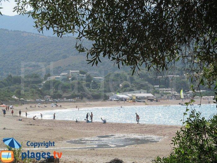 La plage de Chiuni côté nord - Cargèse