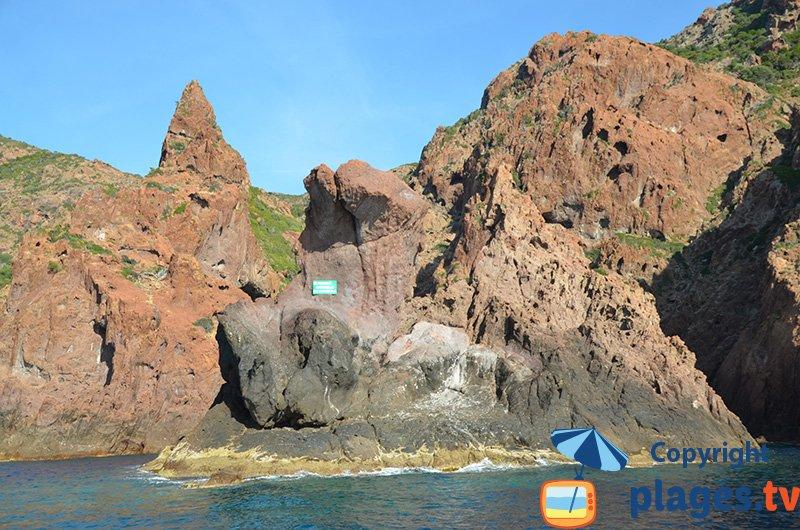 La réserve de Scandola en Corse depuis la mer
