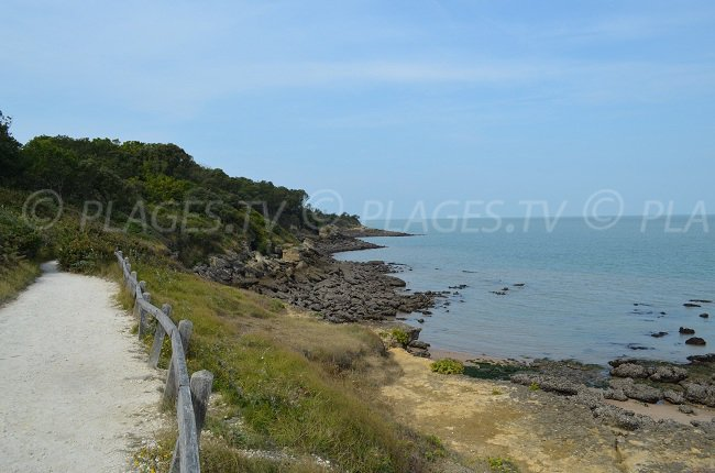 A path of the island of Aix by the sea