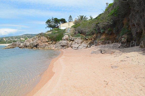 Crique au sud de la plage d'Agosta (Corse)