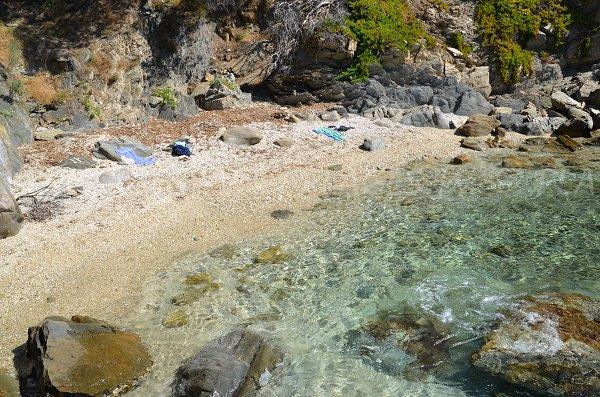 Spiaggia segreta vicino a Fort Bregancon - Bormes les Mimosas