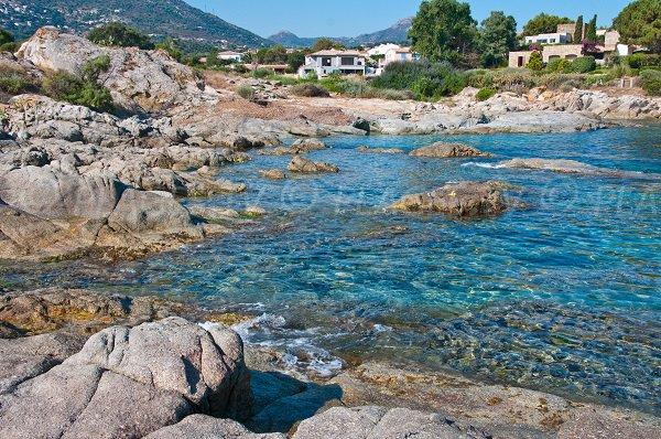 Plage dans la Cala d'Olivu - Corse